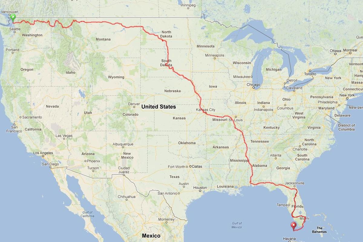 cez-ZDA-s-triciklom